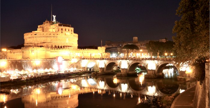 file:///C:/Documents%20and%20Settings/Administrator/Desktop/IKEBANA/360x700---Castel_Sant%27Angelo_by_night_.jpg